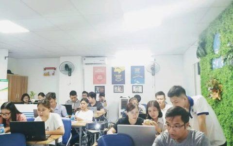 Hàng trăm học viên tham gia khóa học Seo tại hà nội